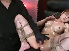 Hot slutty oriental playgirl loves playing her pussy