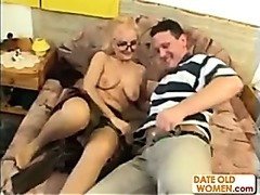 Granny in glasses receives a good fuck