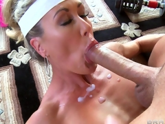 Sporty body milf Brandi Love has lusty hardcore sex after a workout