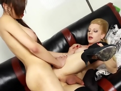 Ts Venus Lux has their feel attracted to two alternate identically close to Tyra Scott