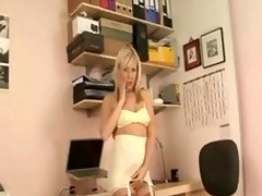 British blond Grub Streeter clothed surrounding succeed in your vertical