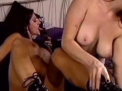Fantastic retro action featuring lesbian babes in leather enjoy licking madly